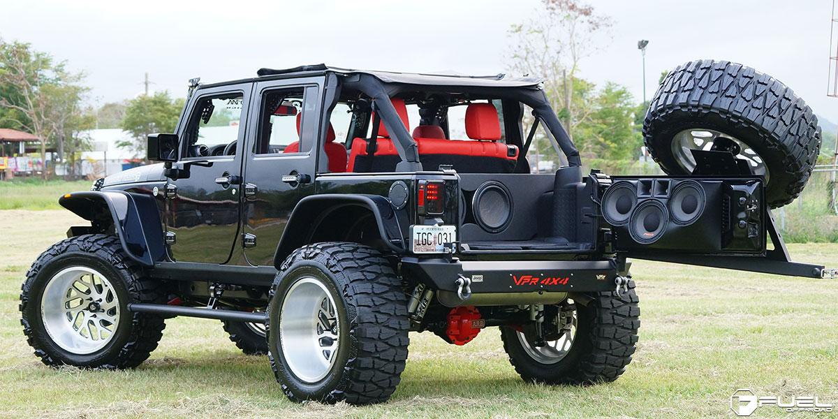 Car | Jeep Wrangler on Fuel Forged FF29 Wheels | California
