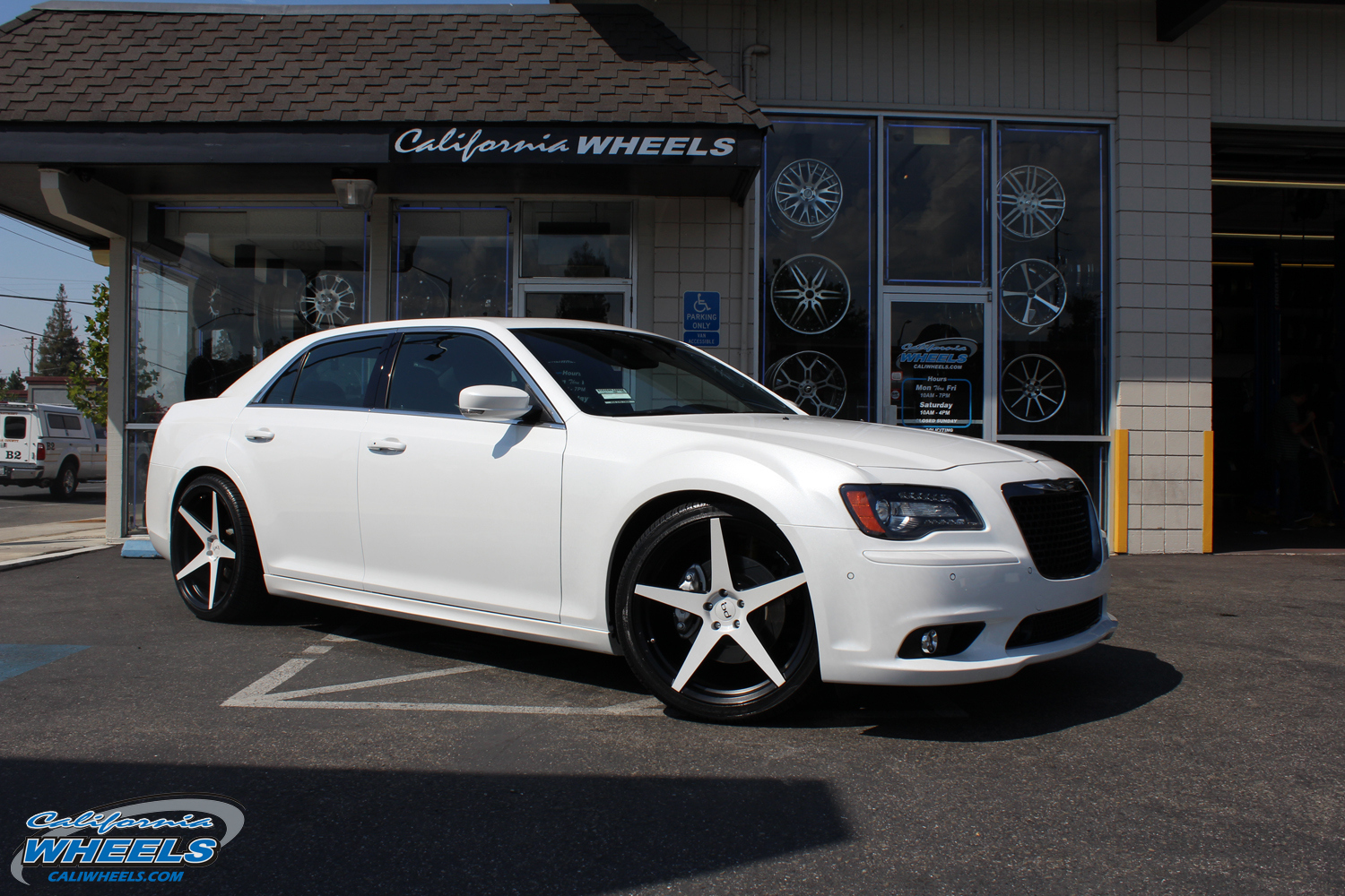 car chrysler 300 on wheels california wheels. Black Bedroom Furniture Sets. Home Design Ideas